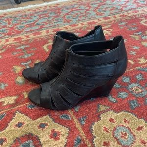 Shoes - Back wedge